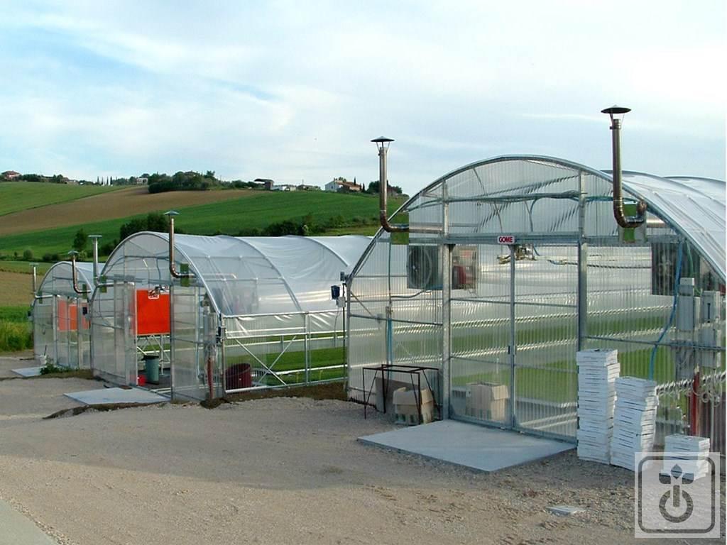 Tunnel Plastica Per Ortaggi.Tag60b Tunnel In Plastica Produzione Piante E Ortaggi Gome
